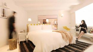 S Hotel|Designed by Philippe Starck