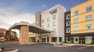 Fairfield Inn & Suites by Marriott Port Clinton Waterfront