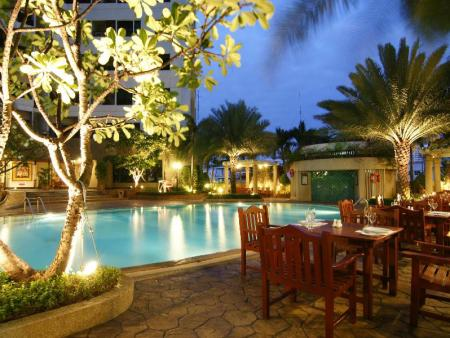 Swimming pool [outdoor] Grand Diamond Suites Hotel