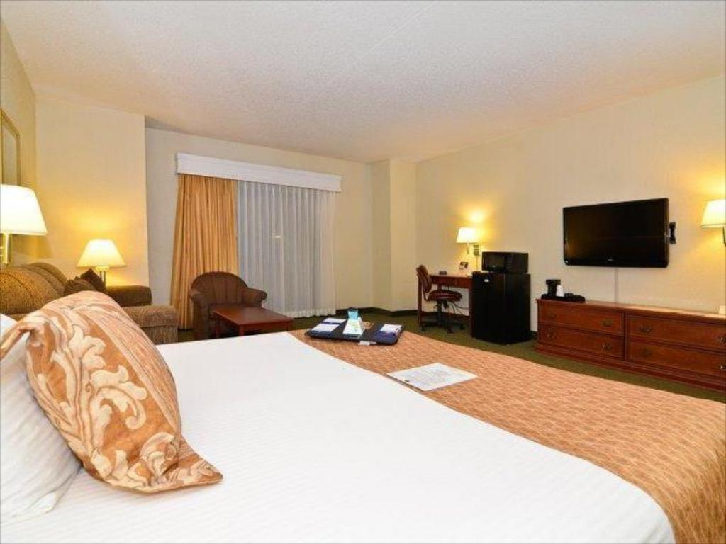 Standard - Cama Best Western Airport Inn & Conference Center