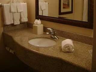 King Room   Bathroom Hilton Garden Inn Gettysburg