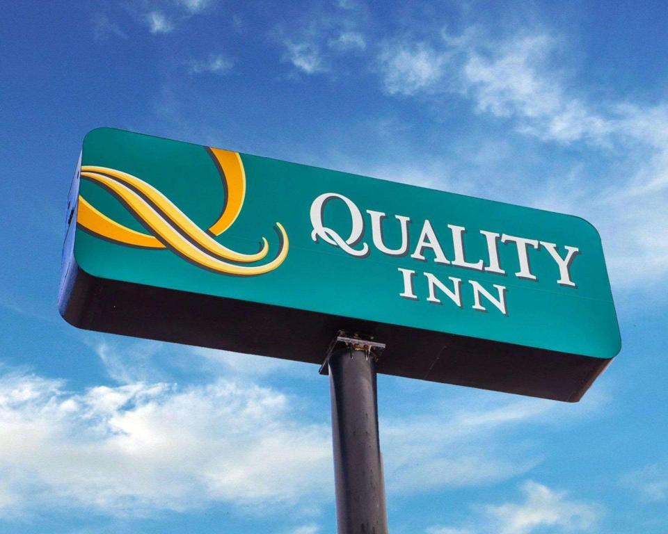 Pemandangan luar Quality Inn Airport Saint Louis