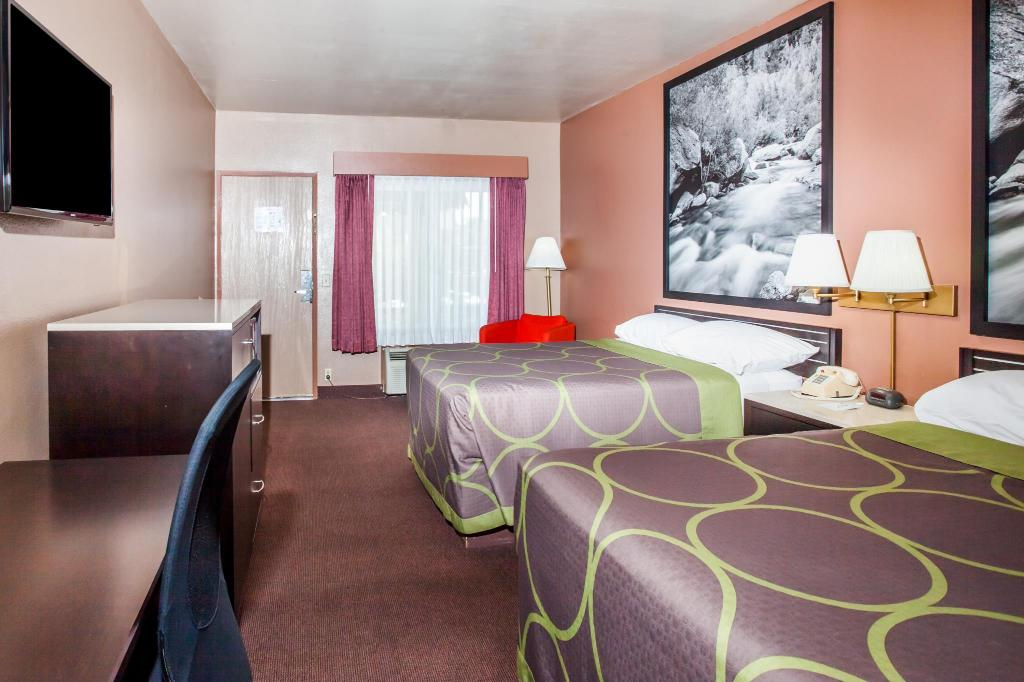 See all 19 photos Super 8 By Wyndham Anaheim - Disneyland Drive