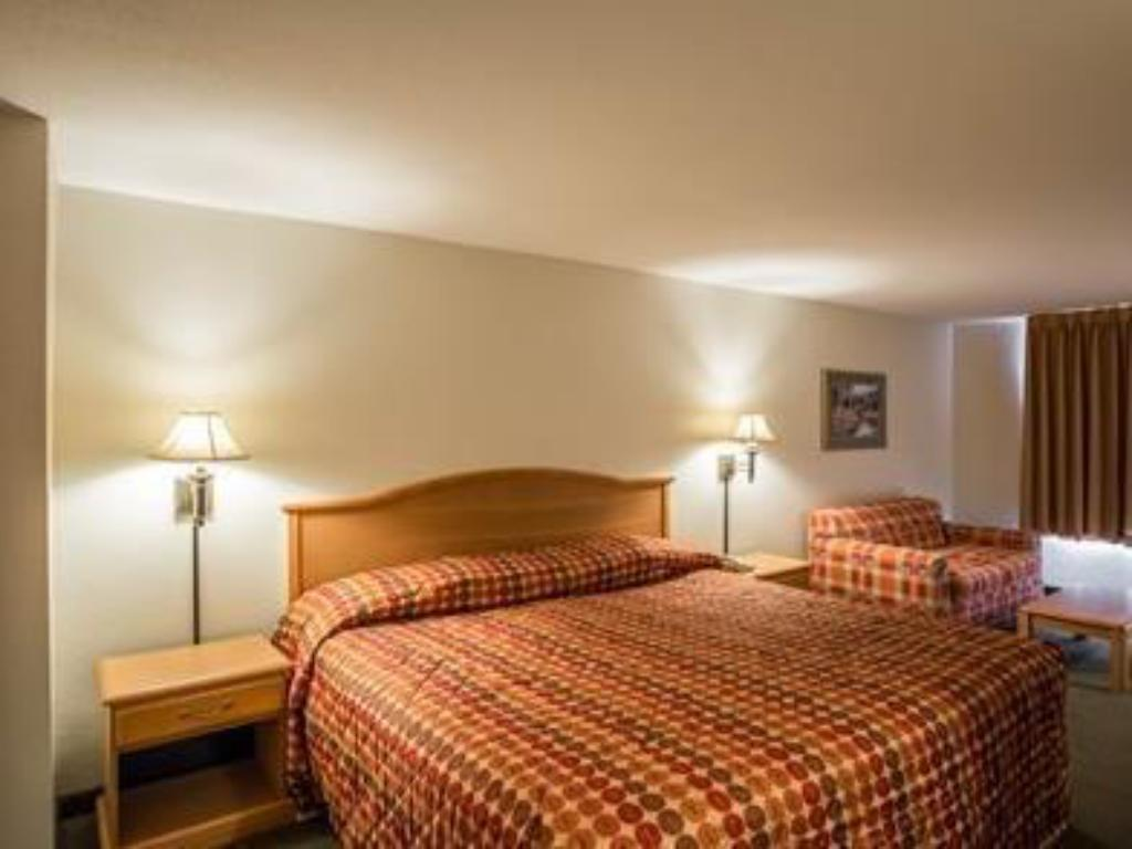 City View - Bed Rodeway Inn and Suites near Outlet Mall - Asheville