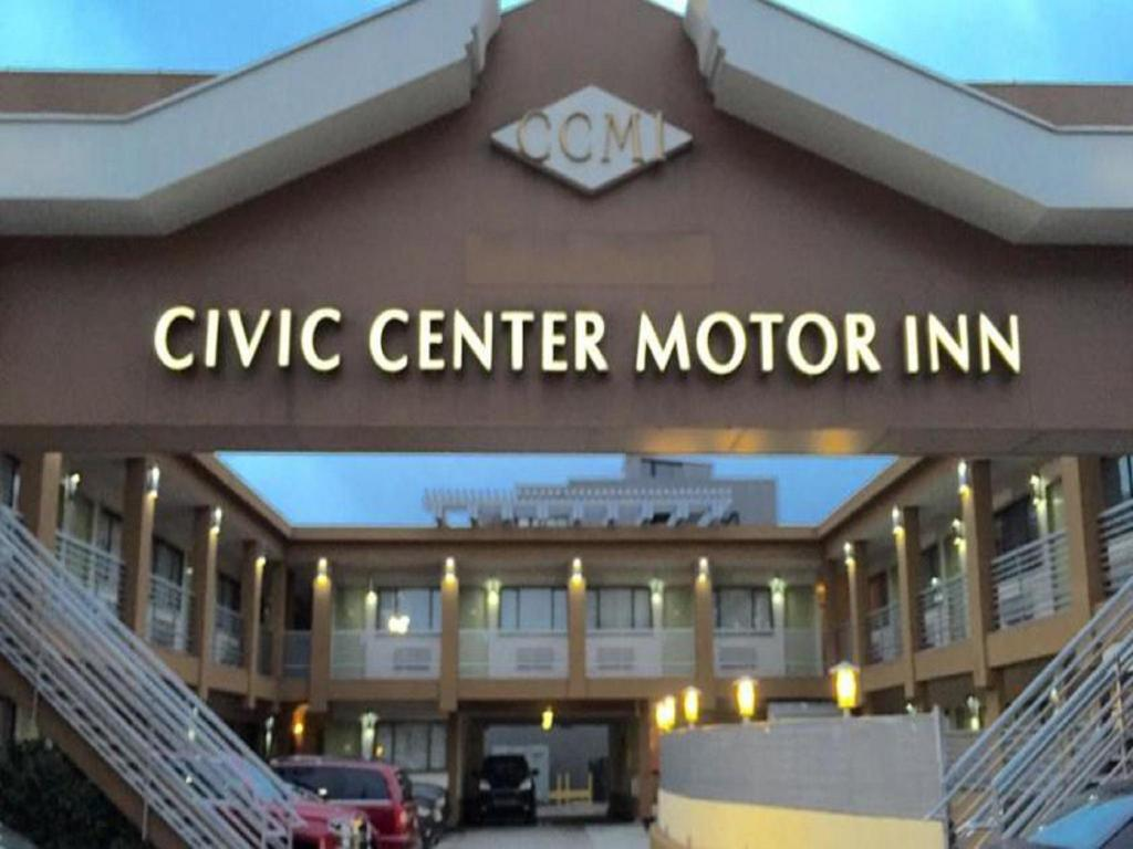 Pemandangan luar Civic Center Motor Inn