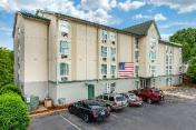 Rodeway Inn and Suites near Outlet Mall - Asheville