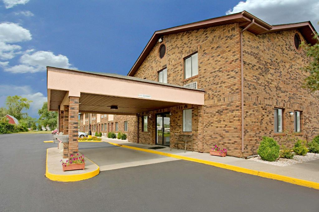 Americas Best Value Inn - West Frankfort, IL