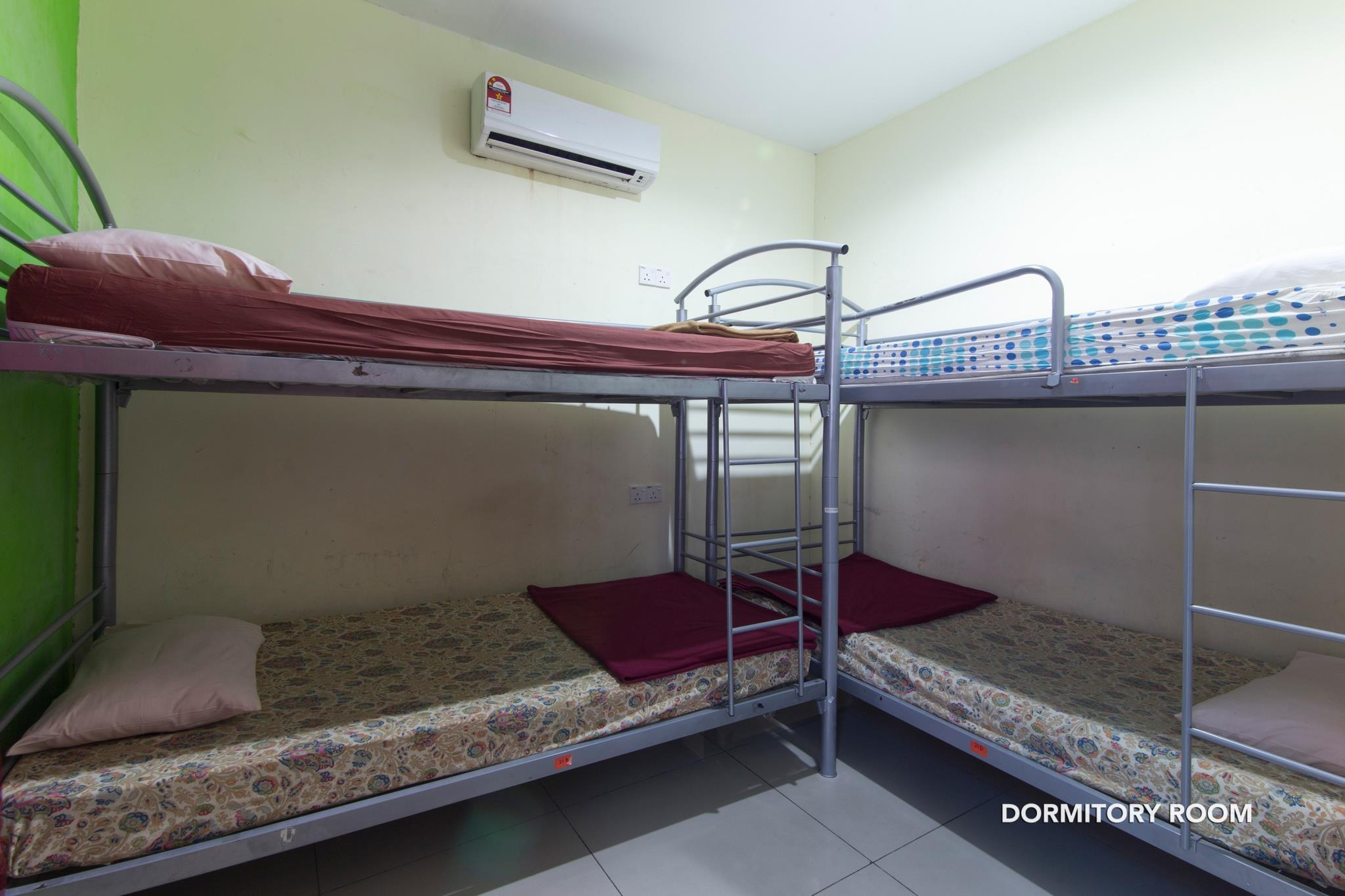 1 Person in Dormitory - Mixed
