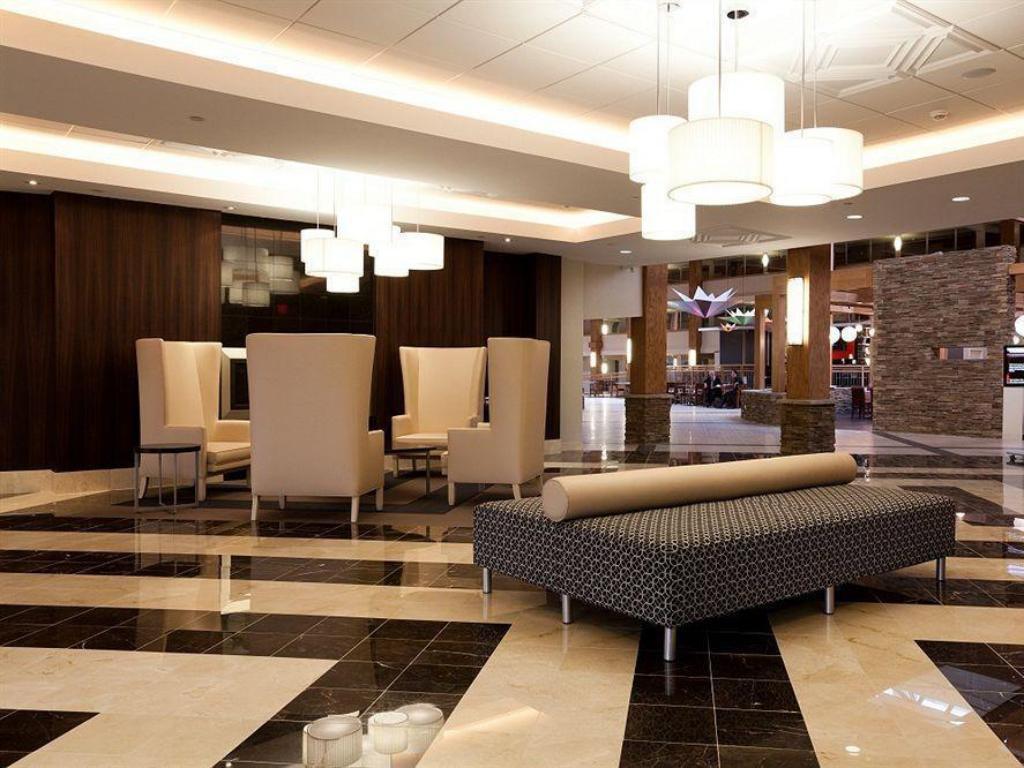 Lobi Crowne Plaza Suffern-Mahwah