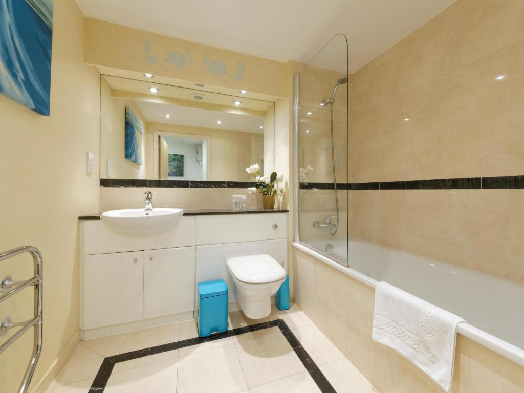 Bathroom Smart Stay London - Excel