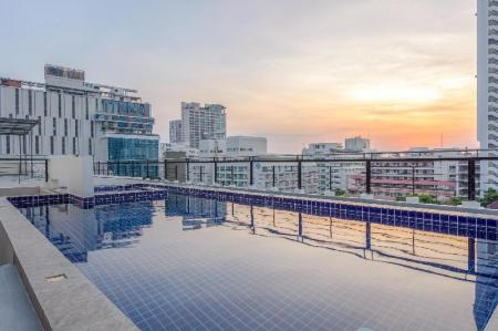 Swimming pool [outdoor] Citismart Luxury Apartments