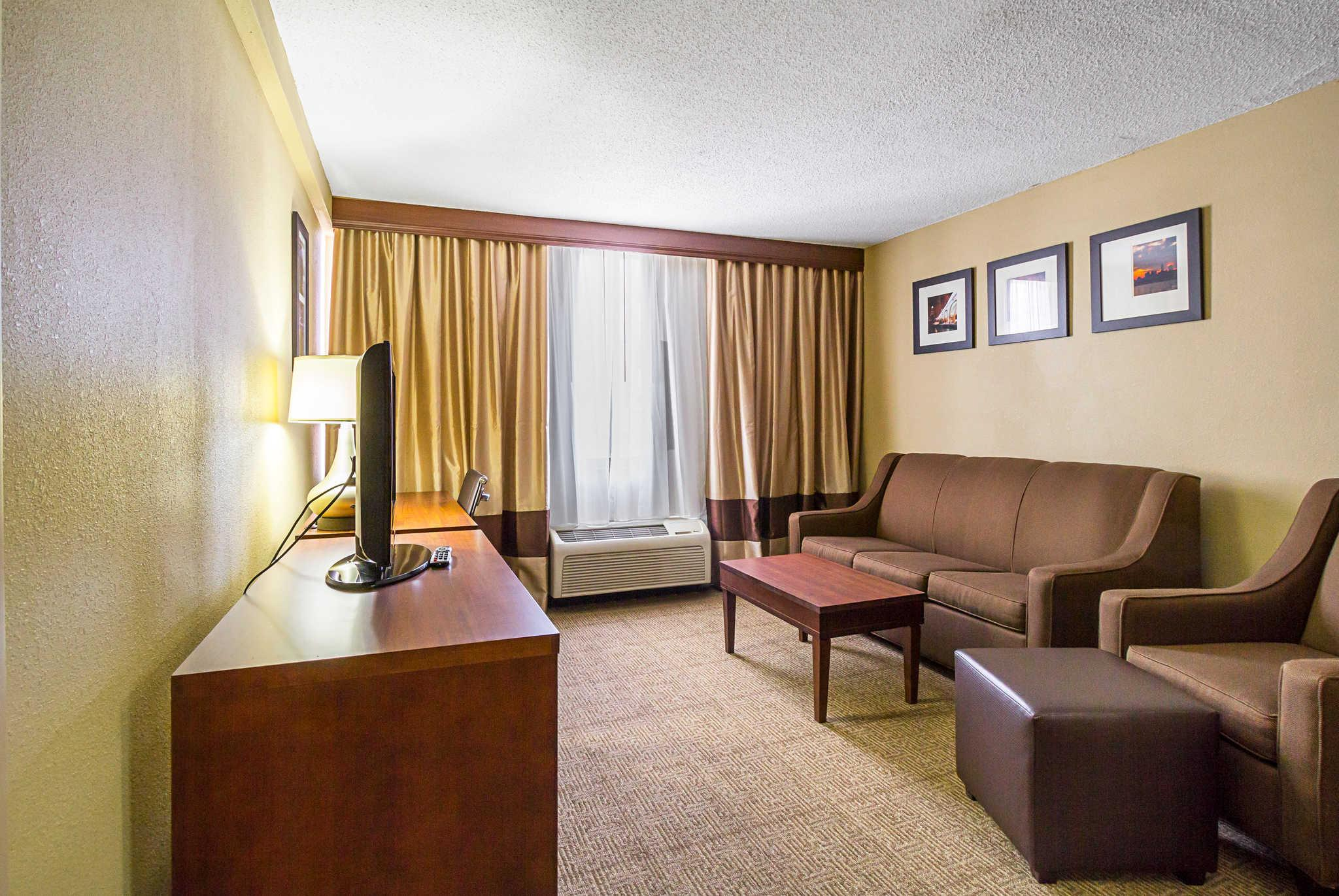 Comfort Inn Downtown in Cleveland (OH) - Room Deals, Photos & Reviews