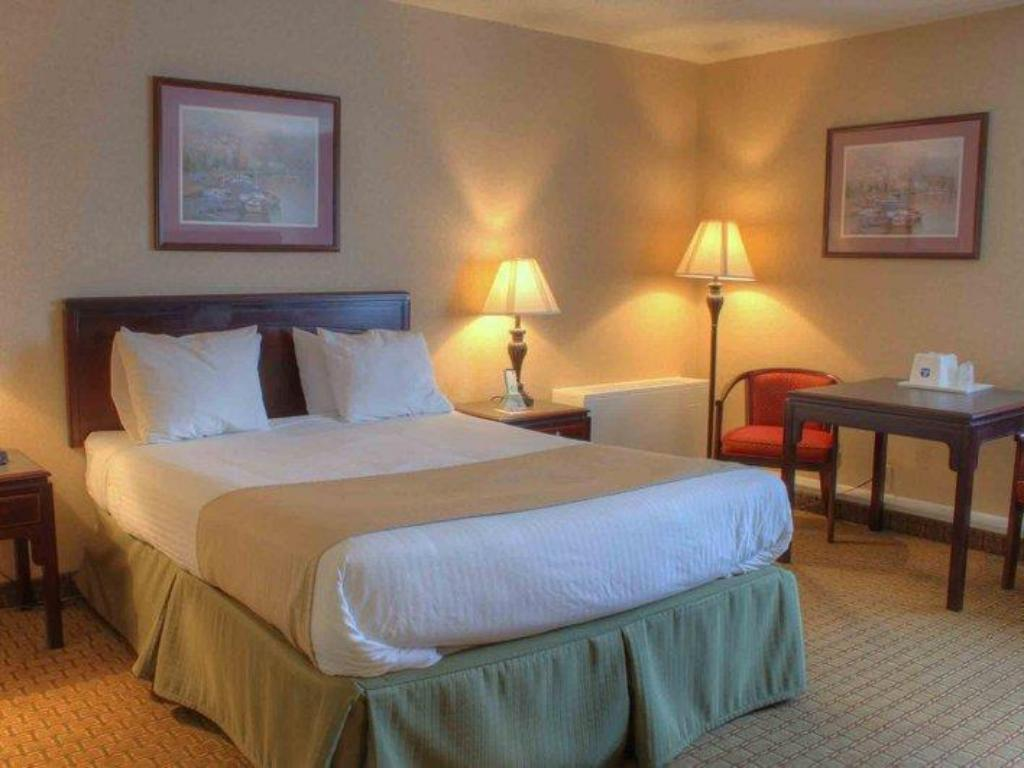 See all 60 photos Best Western Woodhaven Inn