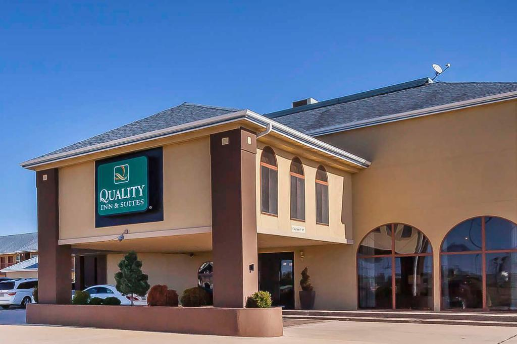 Vista Exterior Best Western Owasso Inn and Suites (Quality Inn and Suites Owasso)