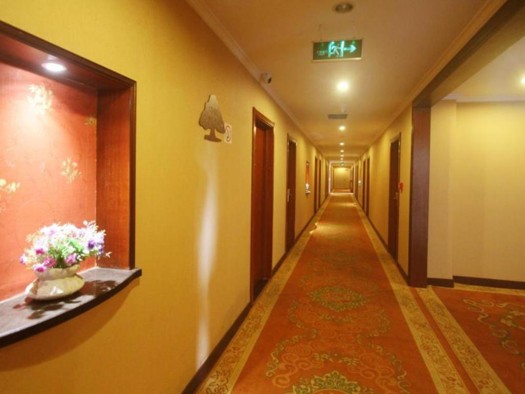 Интериор на хотела Green Alliance Taizhou Shifu Avenue Hotel