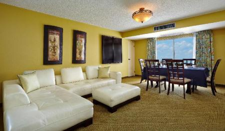 Interior view Embassy Suites Fort Lauderdale 17Th Street Hotel
