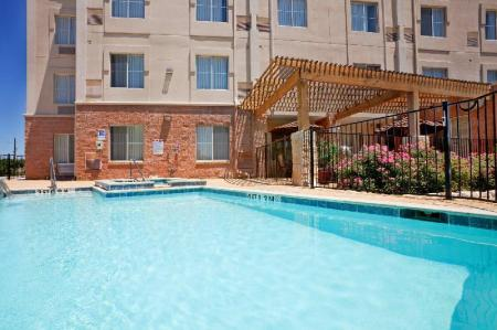 Peldbaseins Holiday Inn Express Hotel & Suites Dallas Park Central Northeast