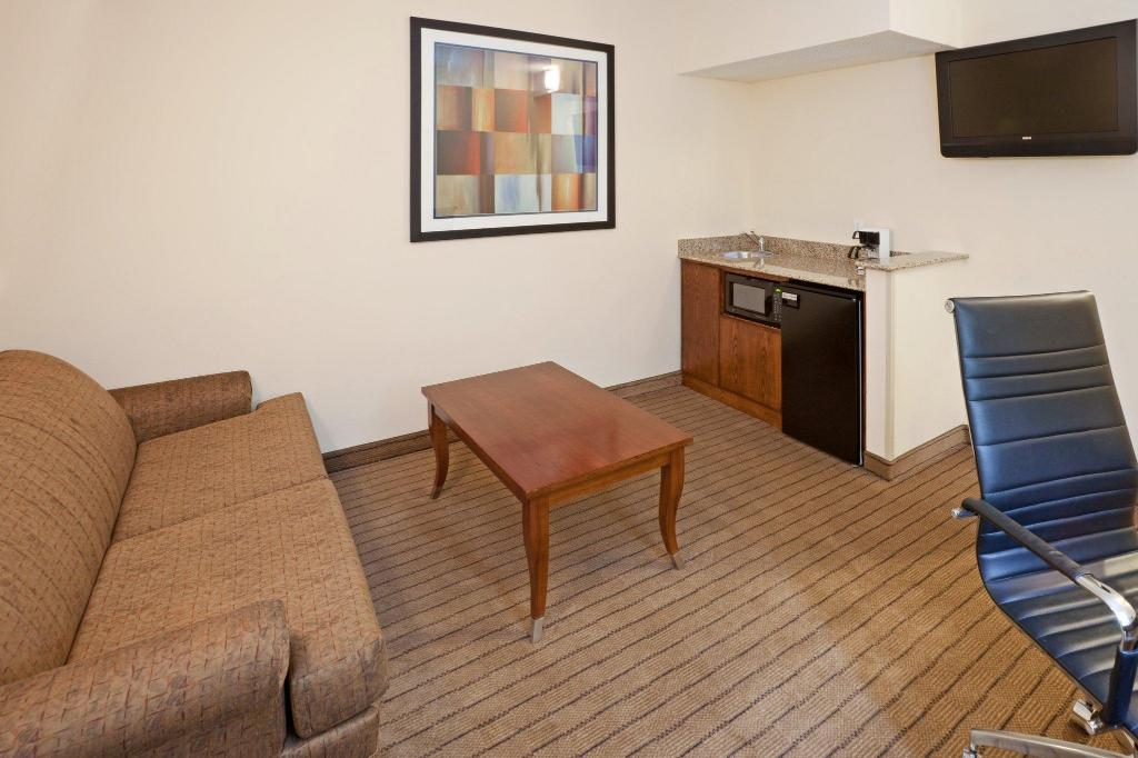Suite Deluxe Accessible Tub Non-smoking - Istaba viesiem Holiday Inn Express Hotel & Suites Dallas Park Central Northeast