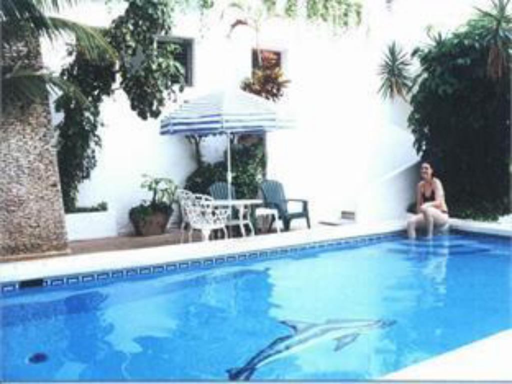 Swimming pool Hotel Antillano