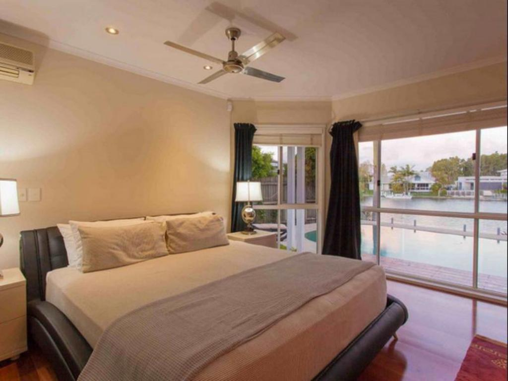 4 Bedroom Home - Bed 15 Shorehaven Drive Apartments