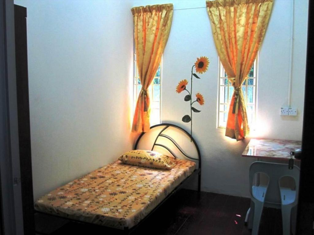 Single Room Venus Female Boarding House