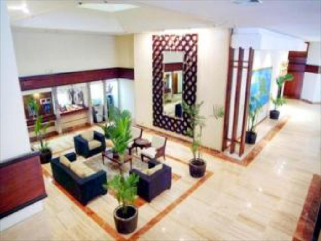 Lobby Crowne Plaza Santo Domingo Hotel