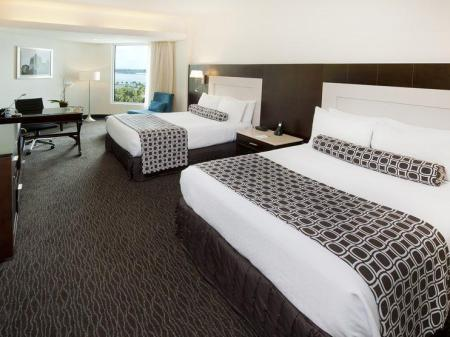 2 Beds Deluxe With Sea View Non-Smoking Crowne Plaza Santo Domingo Hotel