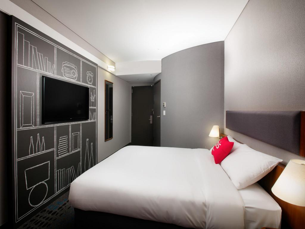 Standard Double Room - Interior view Ibis Ambassador Seoul Myeongdong