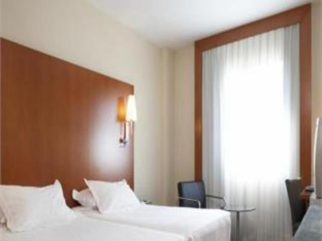 Standard Room, Guest room, 1 Queen or 2 Twin/Single Bed(s) - 客房 AC Hotel Sevilla Forum