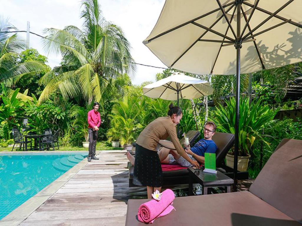 Swimming pool Ladear Angkor Boutique Hotel