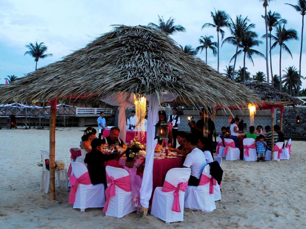 Booking - Punta Riviera Resort