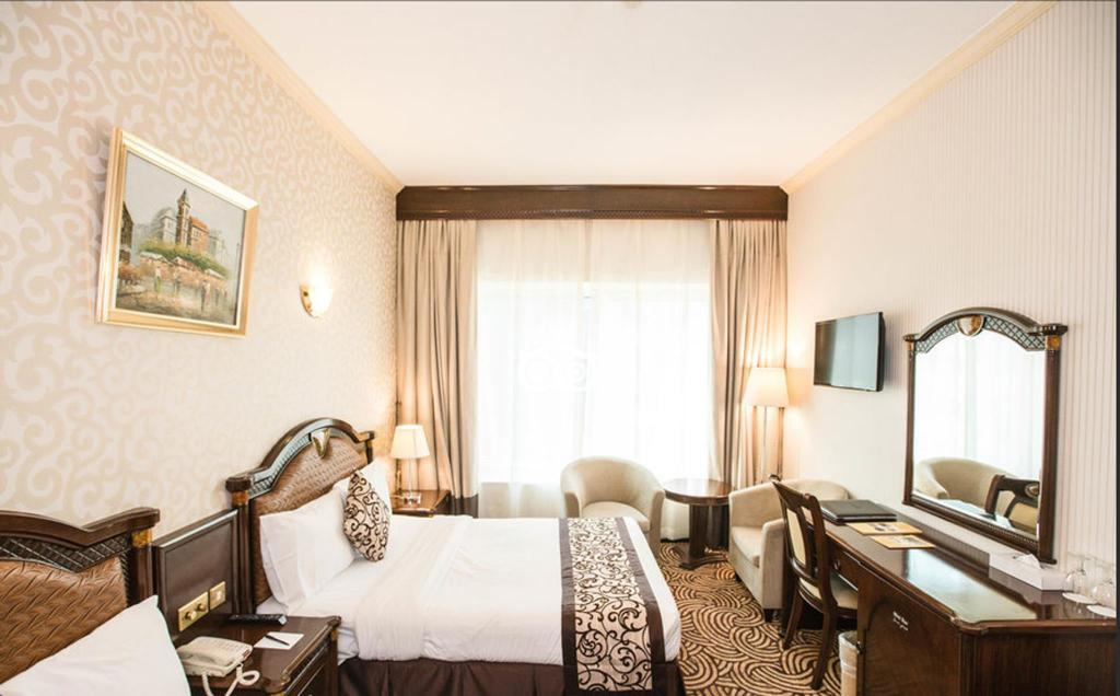 Standard Double Room - Guestroom Sun and Sands Clock Tower