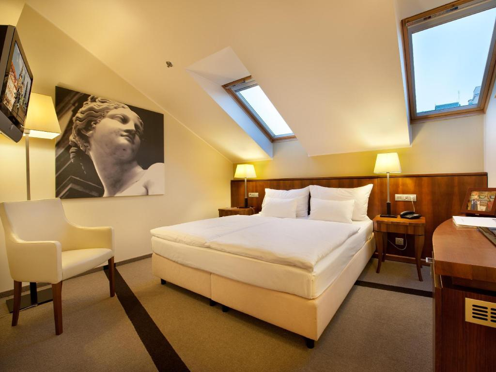 Superior Double or Twin Room Hotel Sovereign Prague