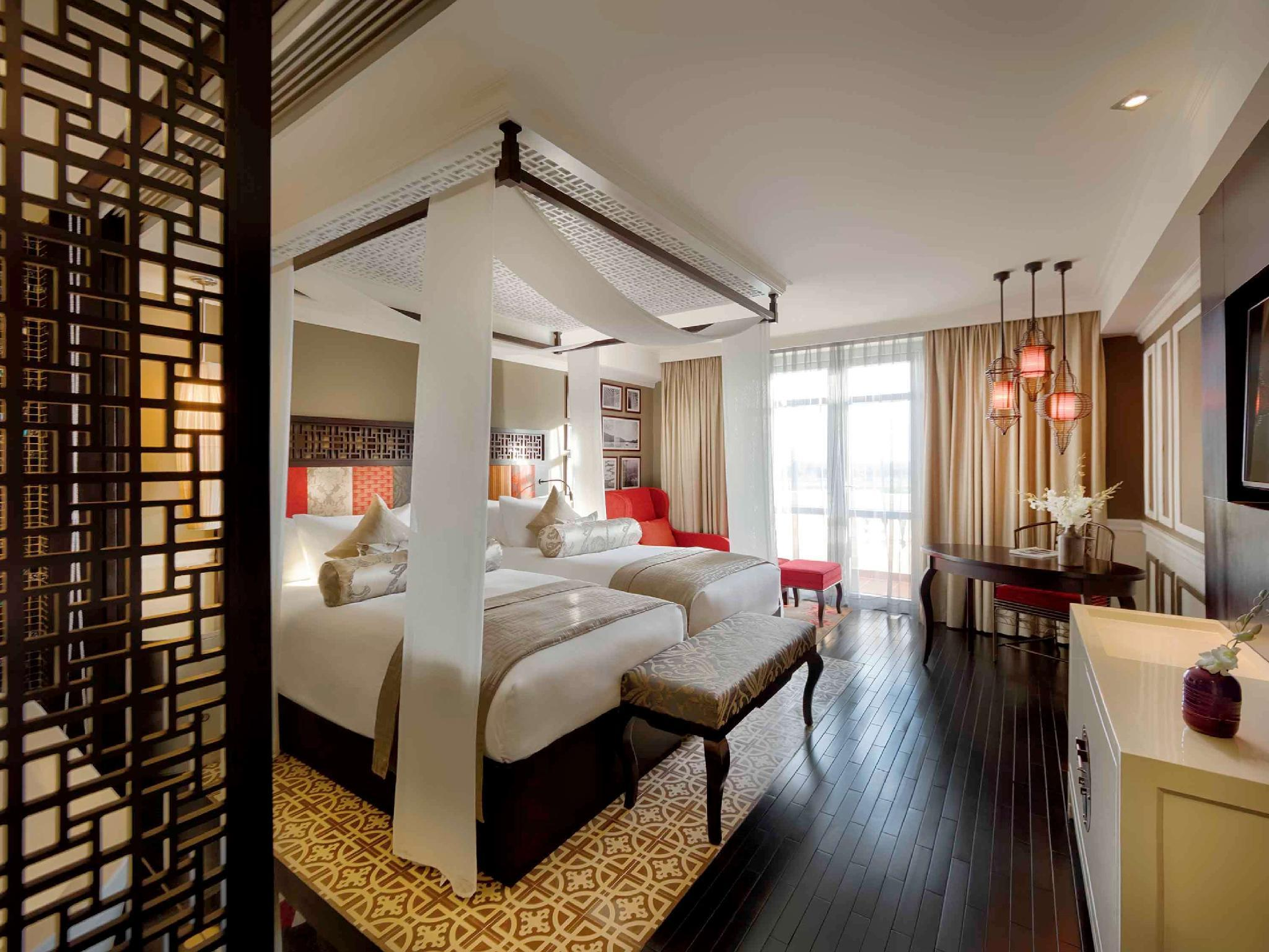 Grand Deluxe Room with 2 Twin Beds