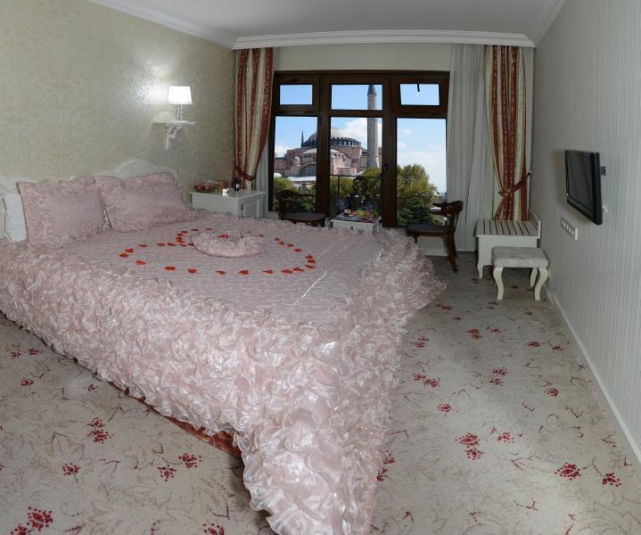 חדר זוגי רומנטי (Romantic Double Room)