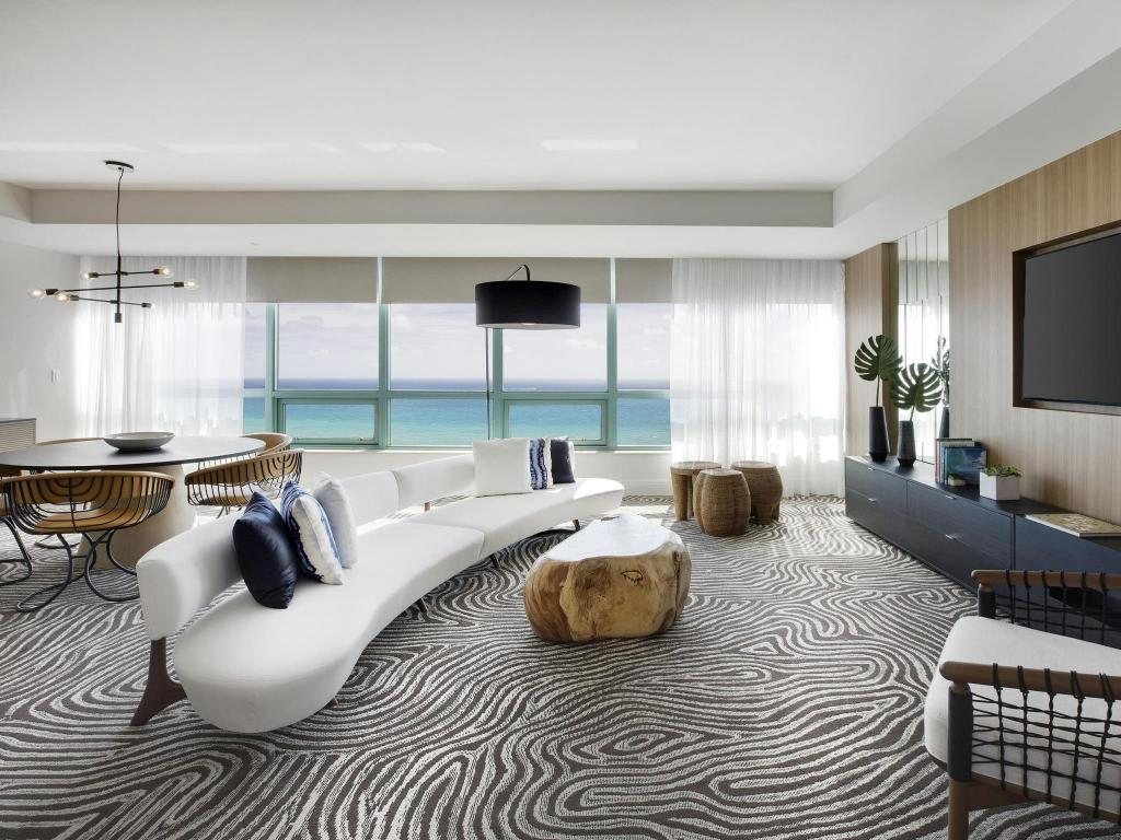 Interno Diplomat Beach Resort Hollywood Curio Collection by Hilton