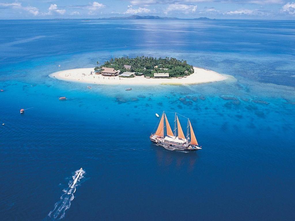 More About Beachcomber Island Resort