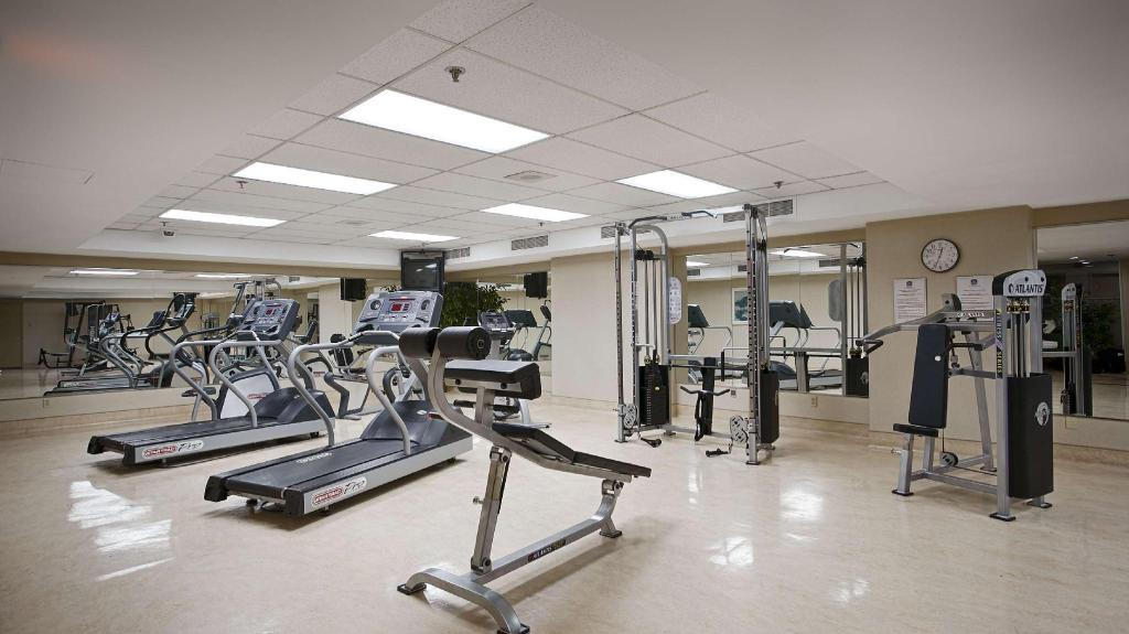 Fitnes center Best Western Ville-Marie Hotel and Suites