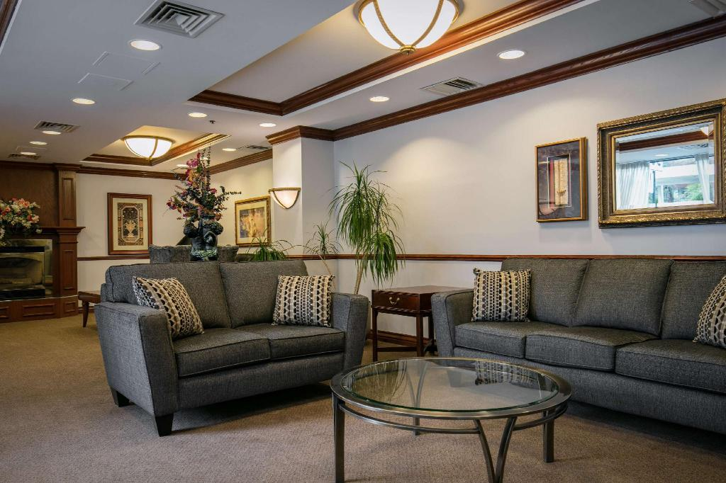Lobby Best Western Ville-Marie Hotel and Suites