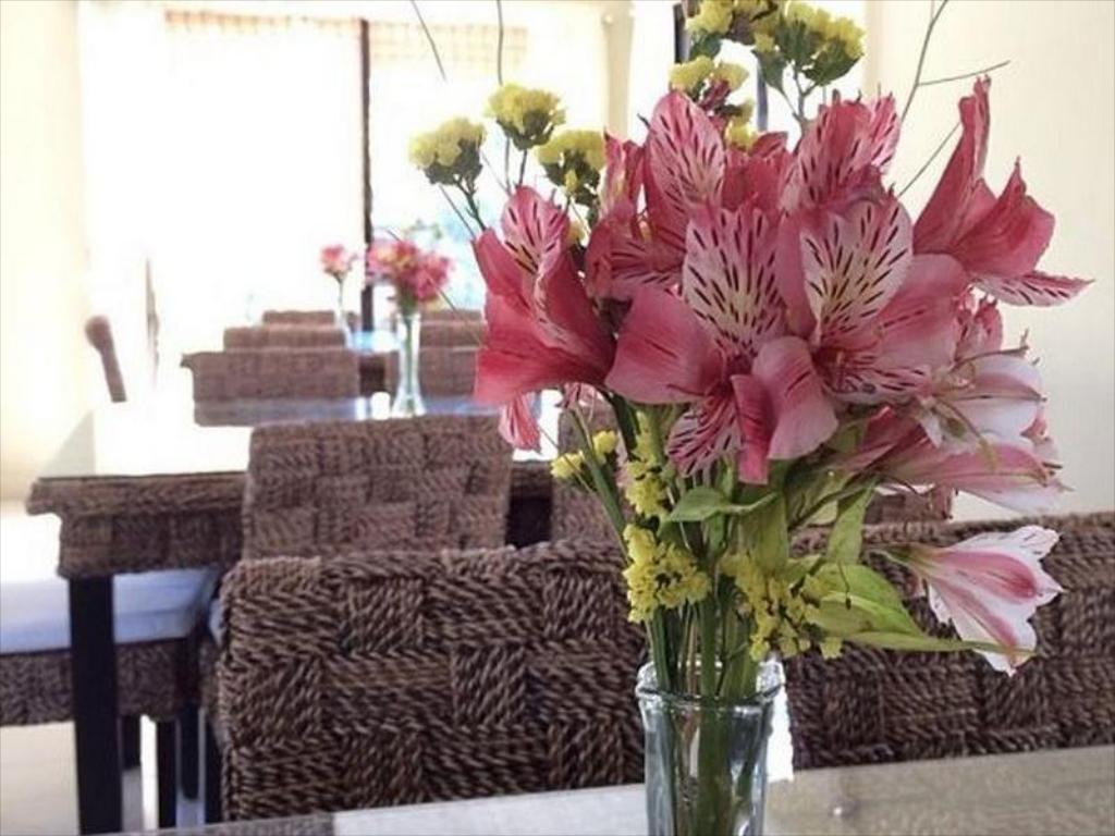 best price on farmhouse hotel and cafe in san jose (nueva ecija) +