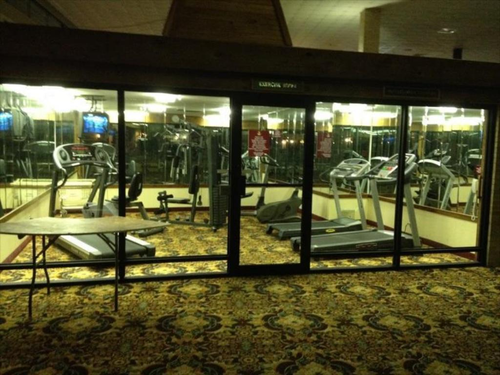 Fitness center Magnuson Grand Hotel Fayetteville