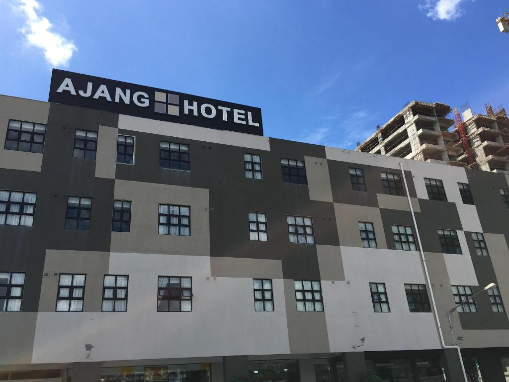 More about Ajang Hotel