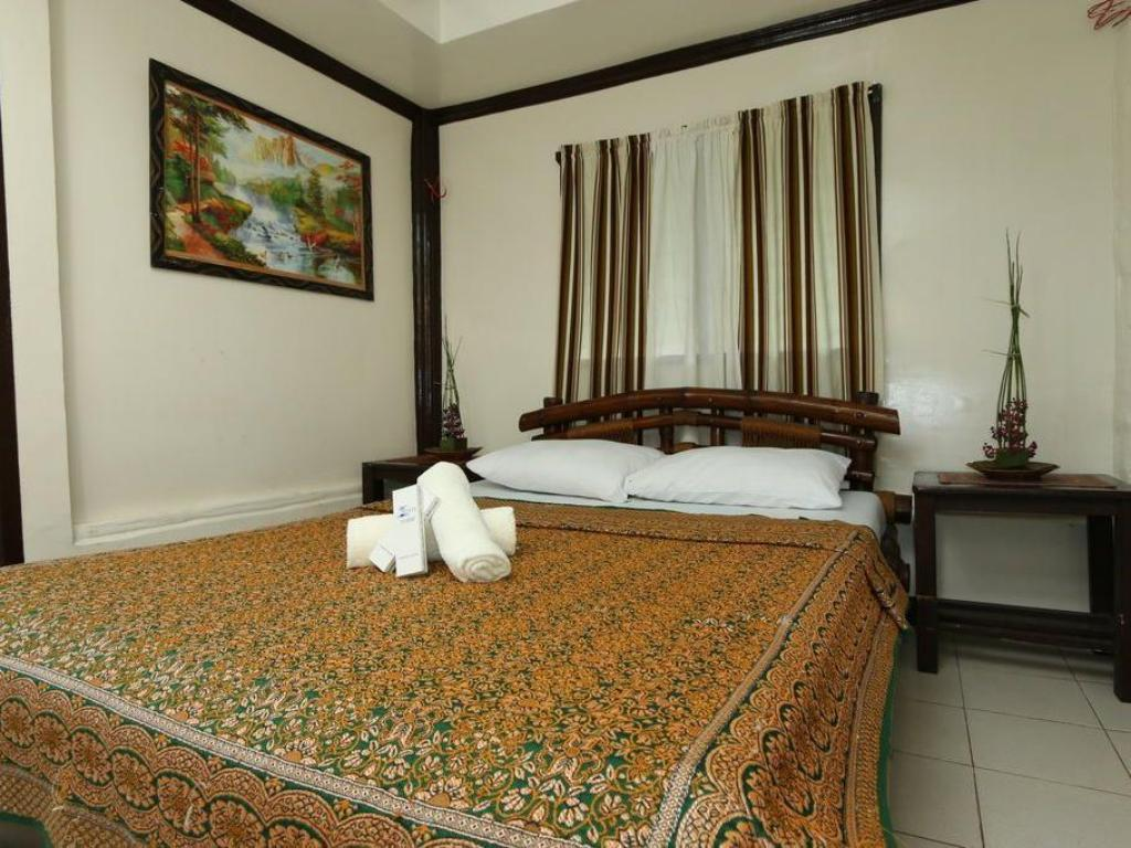 Double or Twin Room with Lake View - Bed Punta Isla Lake Resort