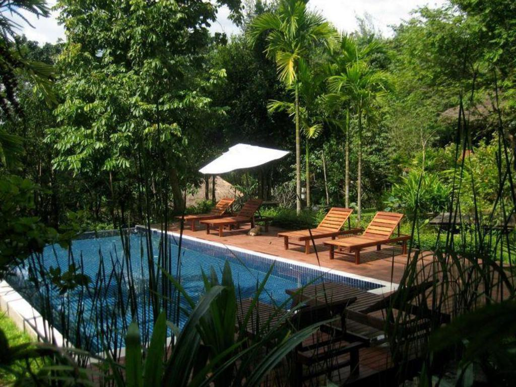 Swimming pool Kao Nam Na Boutique Resort
