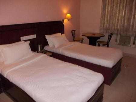 Kamar Executive Hotel Metro Manor Chennai