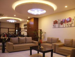 Regal Airport Hotel