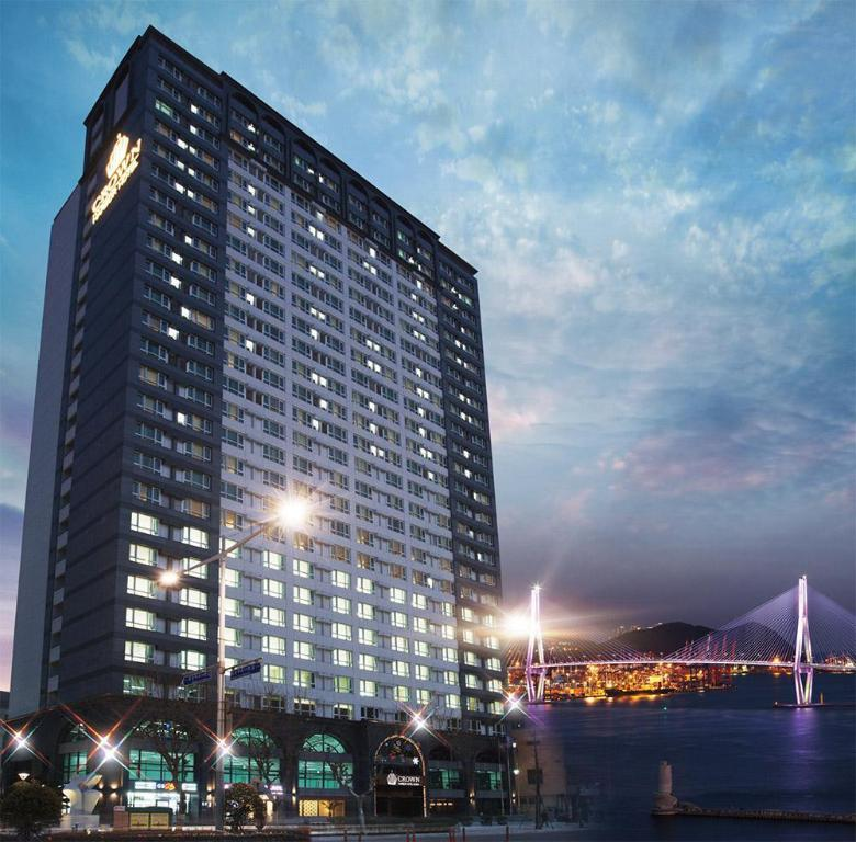 Exterior view Crown Harbor Hotel Busan