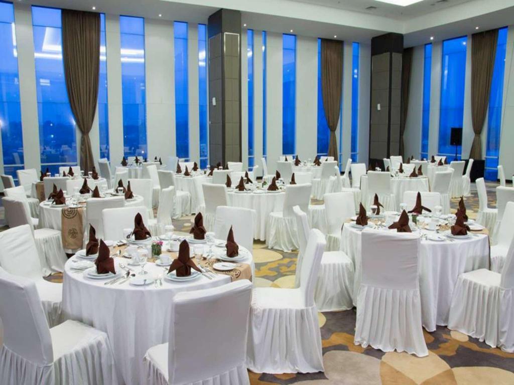 Best price on bogor valley hotel in bogor reviews ballroom junglespirit Images