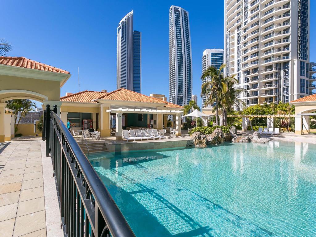 Mantra Towers Of Chevron Gold Coast Booking Agoda Com