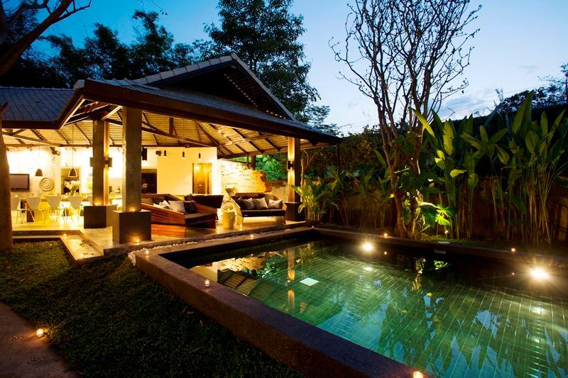 (BAR) 4 Bedroom Luxury Villa with an arrival airport transfer (Max.8 adults)